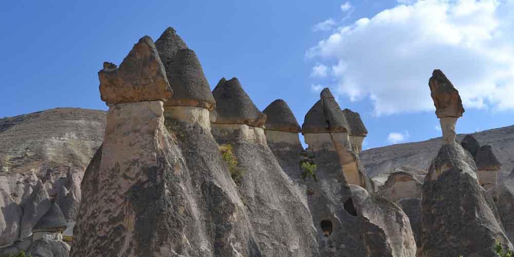 Las chimeneas de hadas que se pueden ver en un viaje en globo.