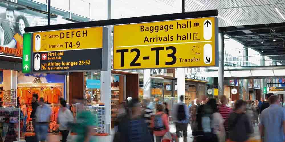 Terminal del Aeropuerto de Schiphol para ir a Rotterdam desde Ámsterdam.