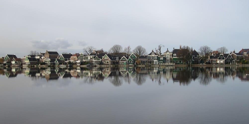 Cómo ir de Amsterdam a Zaanse Schans y distancia entre ambos destinos
