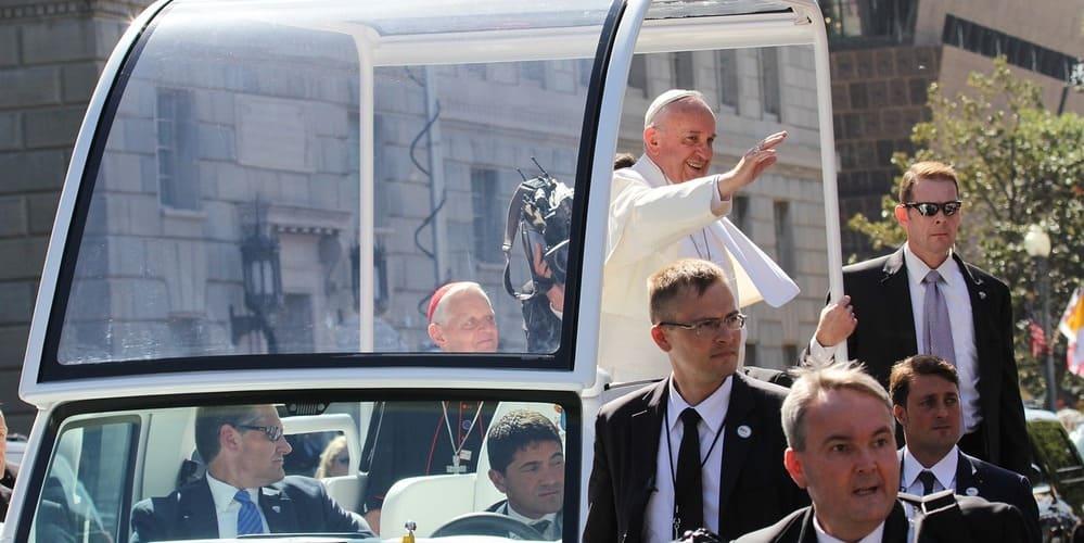 Te contamos cuál es el protocolo de vestimenta del Vaticano para saber qué ropa llevar