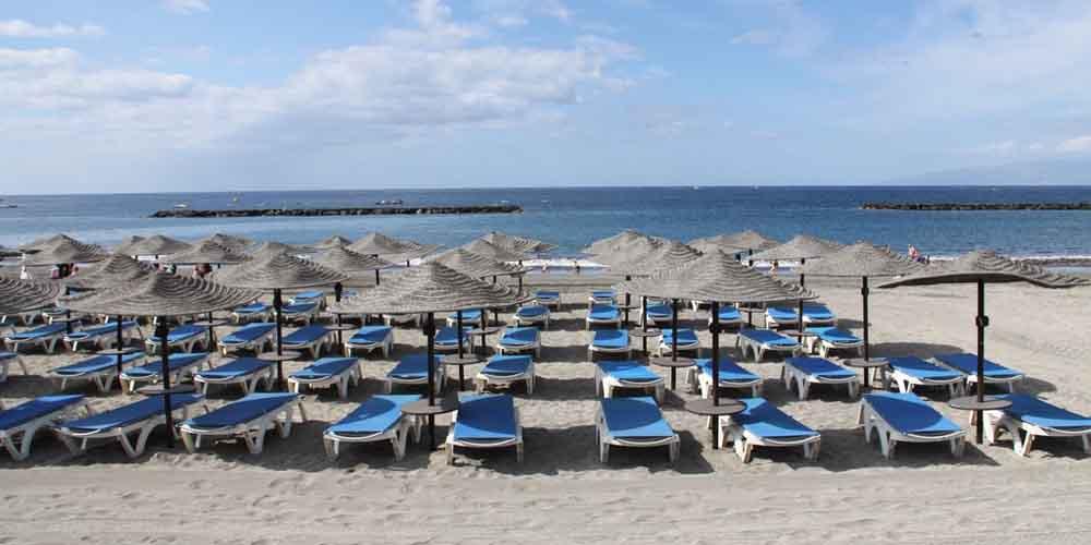 Playa de la Caleta, una de las mejores que visitar en el sur de Tenerife en 4 días.