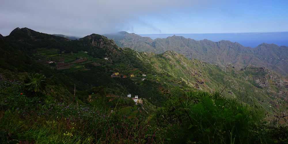 Vista del macizo de Anaga y sus pueblos.