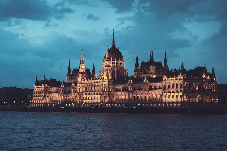Visita al Parlamento de Budapest: Entradas, Horarios y Precios