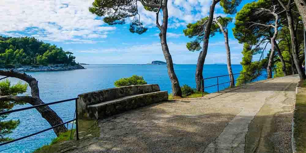 Ruta para ir de Dubrovnik a Mostar en coche por la costa dálmata.