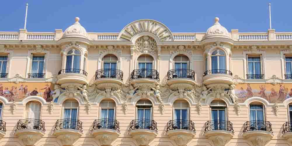 Una fachada de Montecarlo en Mónaco.