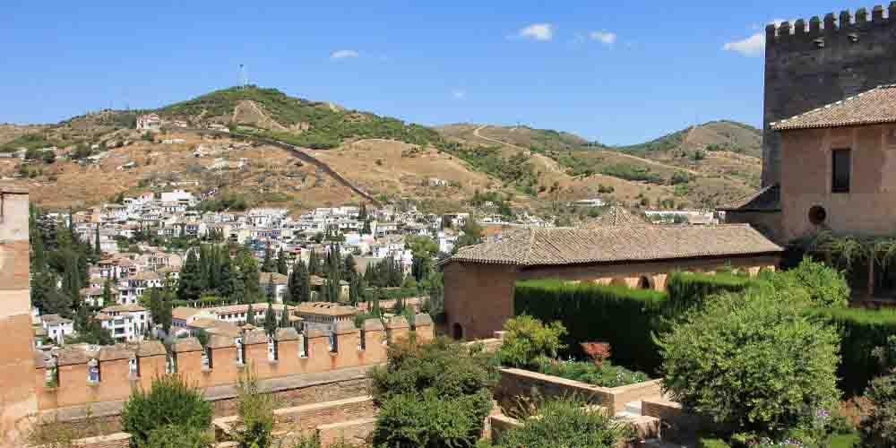 Vista de la zona para llegar a la Alhambra desde el Albaicín.