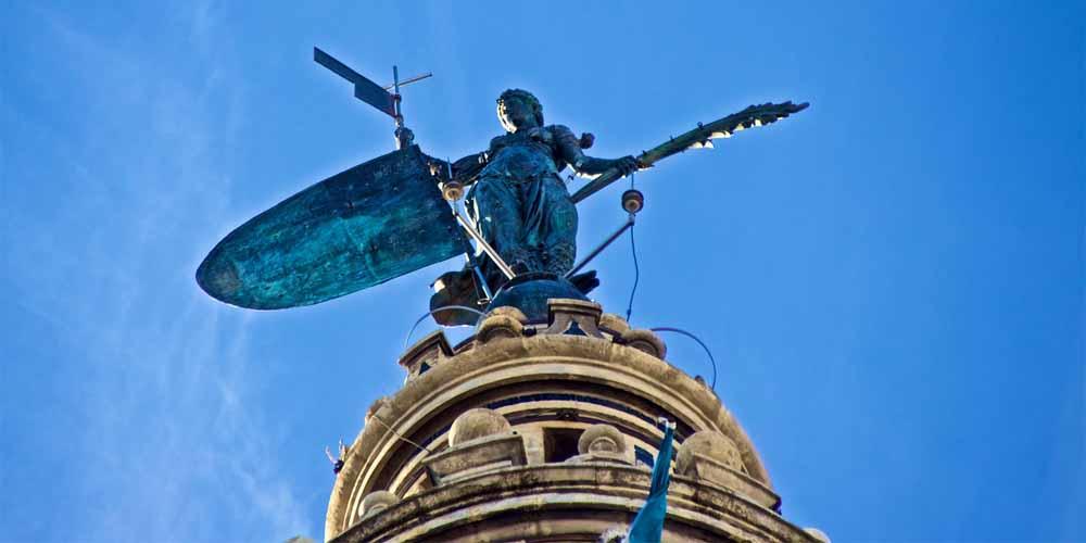 El Giraldillo que ver en la Giralda de Sevilla.