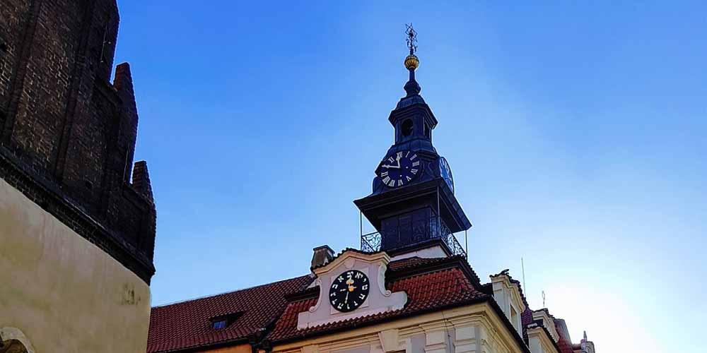 Reloj del viejo Ayuntamiento en el barrio judío de Praga.