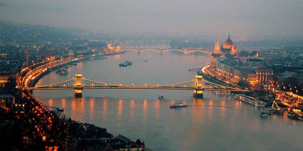 Paseo por el Danubio en una visita a Budapest en 2 días.