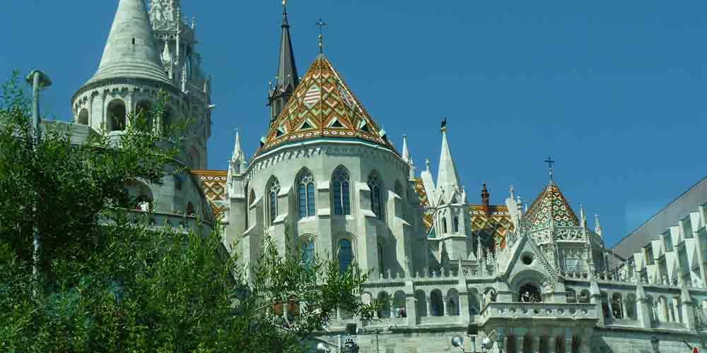 El Monumento a San Esteban en el Castillo de Buda de Budapest.