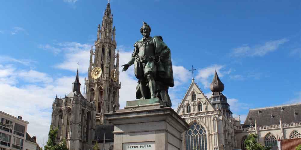 Cómo llegar de Bruselas a Amberes con una excursión organizada por la ciudad.
