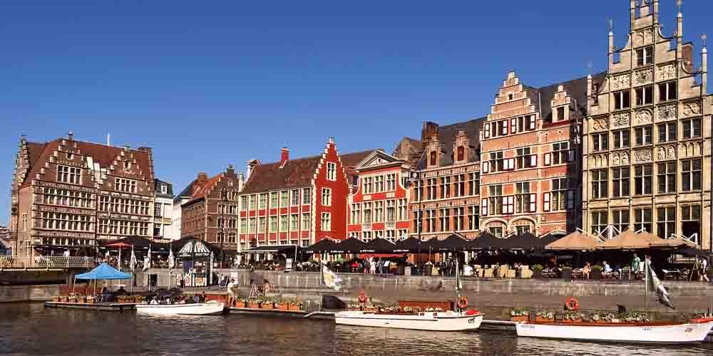 Cómo ir de Bruselas a Gante en tren y navegar por sus canales.