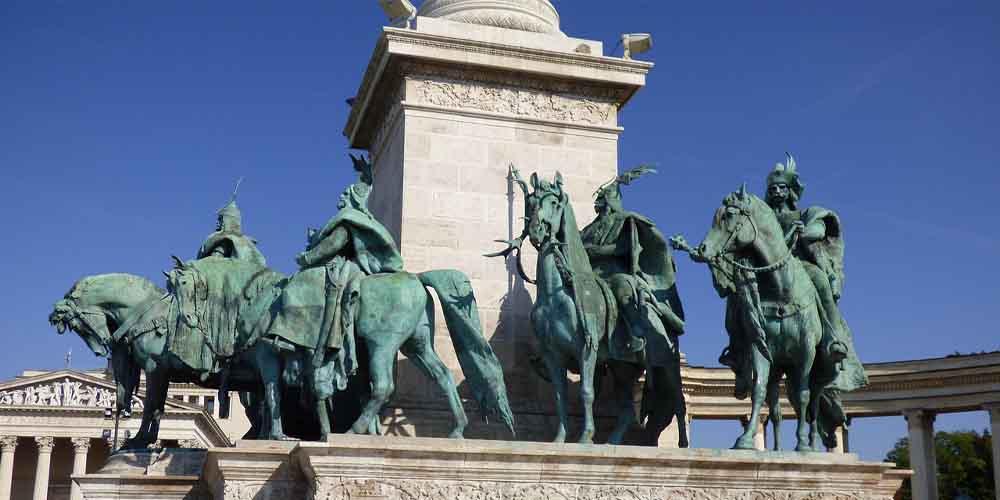Monumento de los Héroes en Budapest.