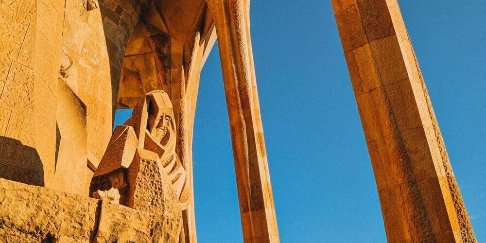 Horarios de la Sagrada Familia de Gaudí según la época del año
