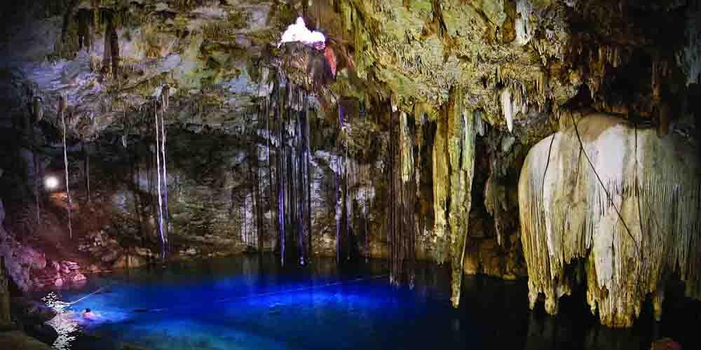 El cenote del Parque Natural Aktun Chen.