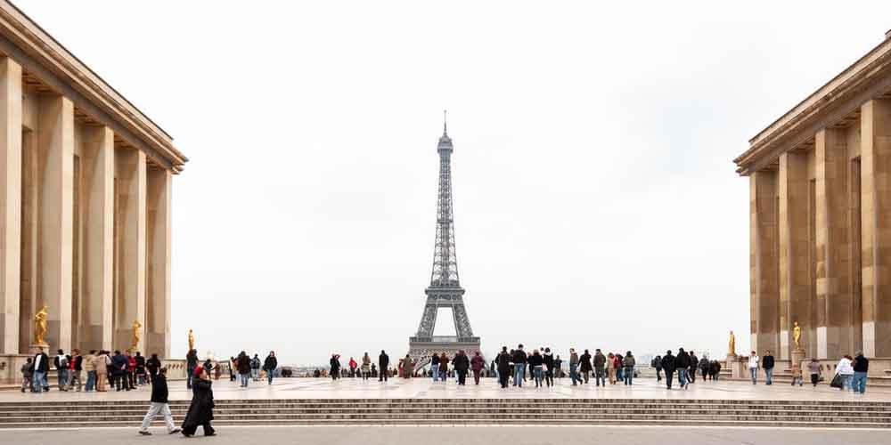 Dónde comprar las entradas para la Torre Eiffel de la foto.