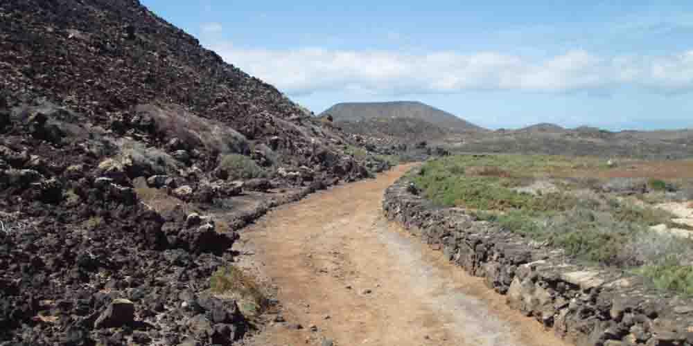 Imagen del camino del faro.