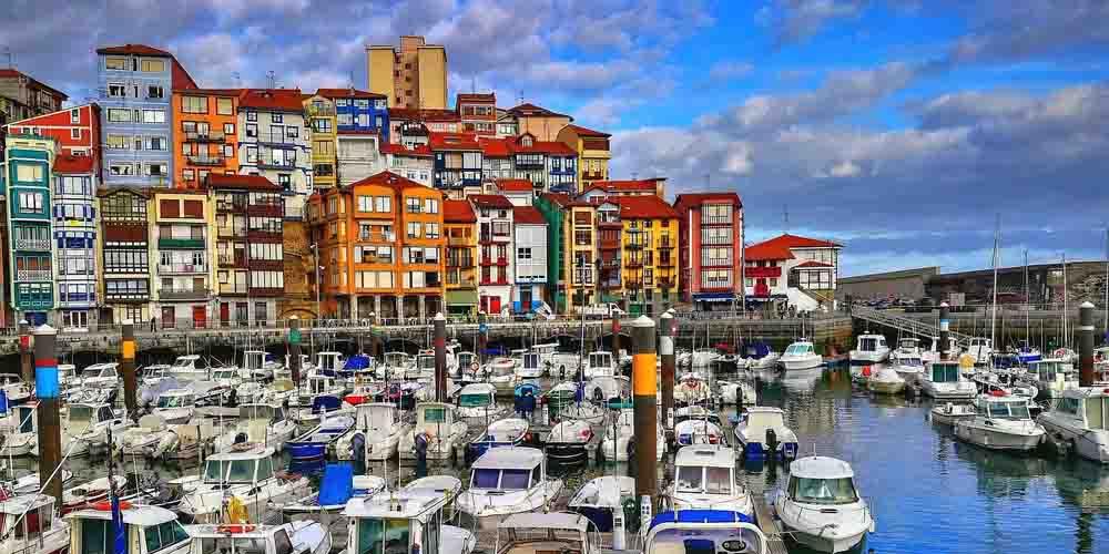 Bermeo, uno de los pueblos más bonitos que ver en la costa vasca.