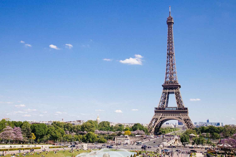 ¿Cómo subir a la Torre Eiffel de París?