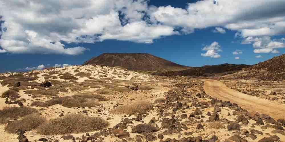 Un sendero al volcán de La Caldera.