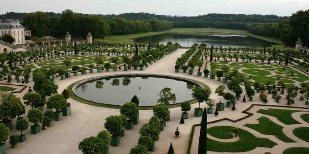 Cómo visitar Versalles Por libre y recorrer los Jardines de la imagen.
