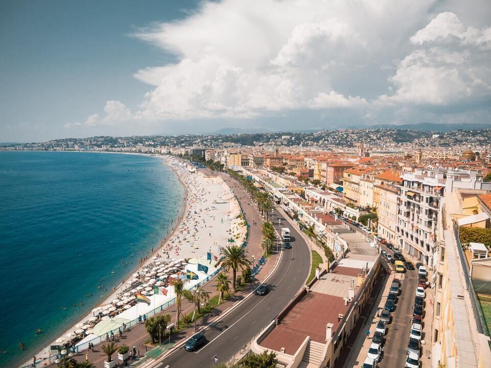 Vistas desde la Colina del Castillo de Niza, una de las cosas que hay que ver